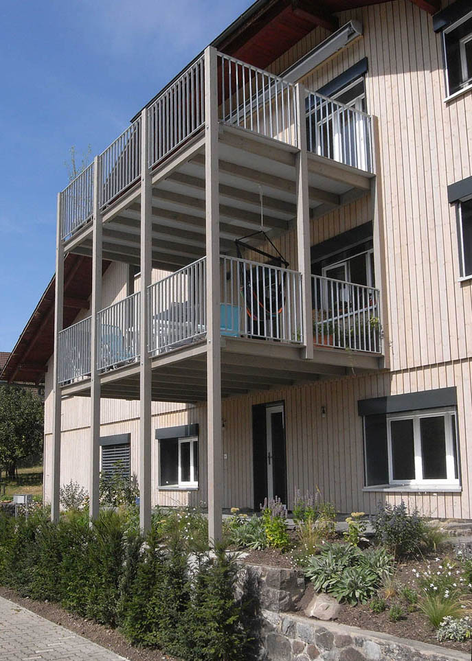 holzbau laubensanierung balkon balkonverkleidung. Black Bedroom Furniture Sets. Home Design Ideas